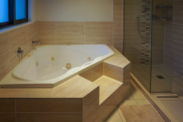 Bathroom_0000_DSC05454