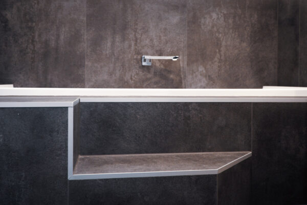 Bathroom_0003_DSC01864