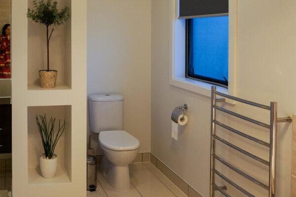 Bathroom_0005_DSC05456