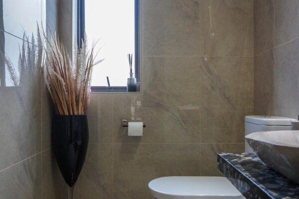 Bathroom_0007_DSC05376