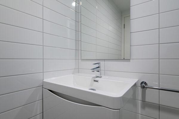 Bathroom_0009_19-web