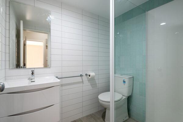 Bathroom_0010_18-web